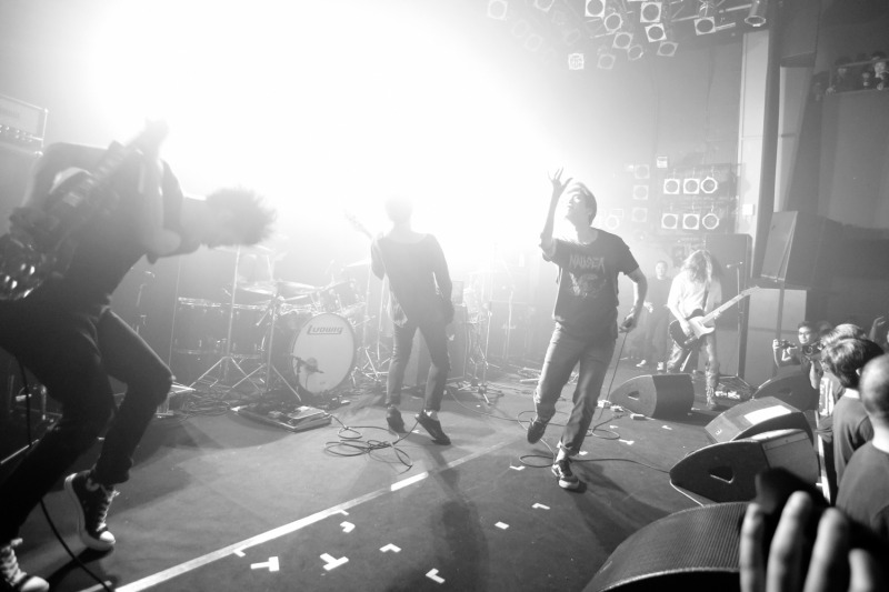 envy O-WESTの入場規制で諦めた人も多かった、Envy。会場中が一体となったライブは圧巻 Photo by Yukitaka Amemiya