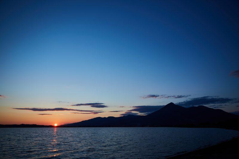 夕方には音楽を聴きながら、夕陽が沈むのを楽めるGOOUT CAMPの魅力!