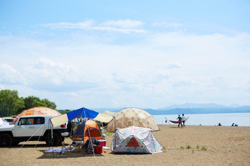 快晴でスタートした今年のGOOUT CAMP!猪苗代湖を望む湖畔でキャンプが楽しめます!