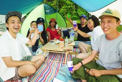 六甲山で自然と音楽を満喫!「ROKKO SUN MUSIC 2017」来場者スナップ&会場フォトレポート