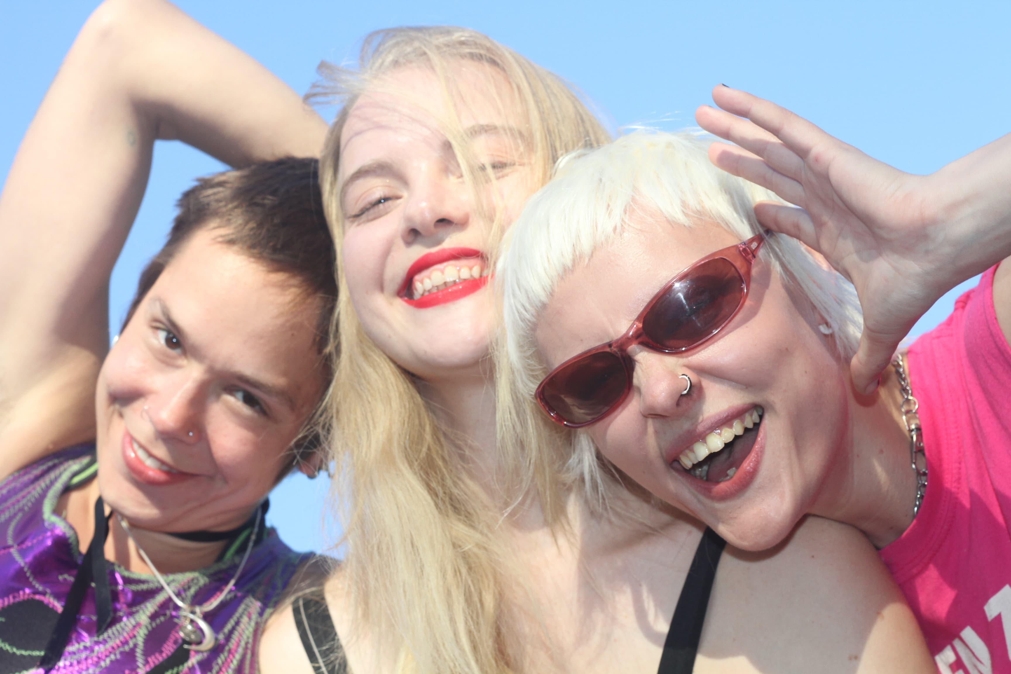 【SUMMER SONIC 2018 出演】ロンドン発ガールズロックバンド、ドリーム・ワイフ独占インタビュー