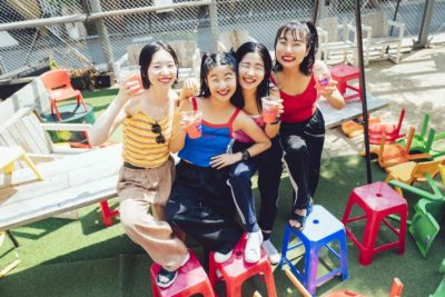 """【FESTIVAL LEMON ZIMA#3】""""熱い瞬間""""をエンジョイし尽くす、CHAI流の夏フェスの楽しみ方とは?"""